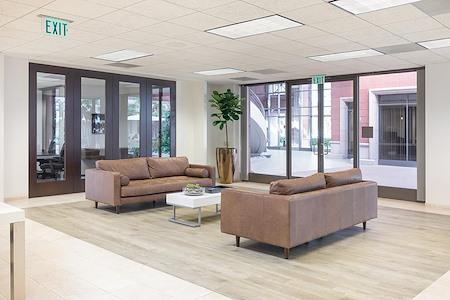 23 Corporate Plaza Suite 150 Newport Beach CA 92660 - TEAM PRIVATE SUITE 26PEOPLE FREE PARKING