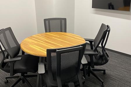 Venture X Chicago - Oak Brook - Meeting Room -4 People