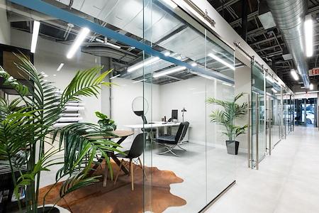 FORUM Miami - 1 Person Private Suite