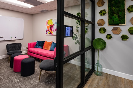 The Post Workspaces - Lapa Huddle Room
