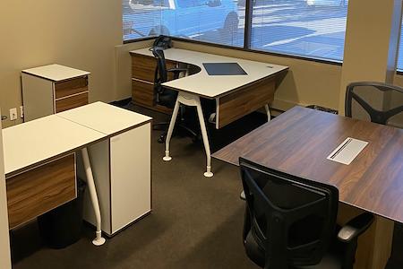 580 Executive Center - Suite 207