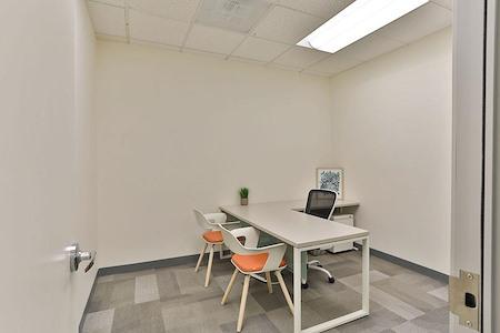 Office Evolution - Tysons Corner - Day Office