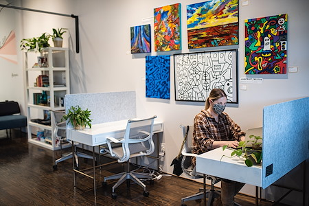Sesh Coworking - Open Desk 1