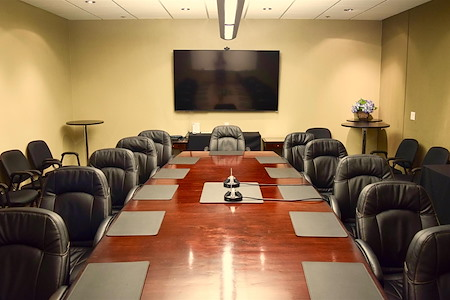 580 Executive Center - Large Conference Room
