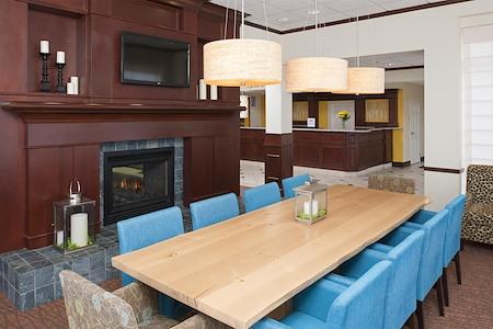 Hilton Garden Inn St. Paul/Oakdale - Garden Table
