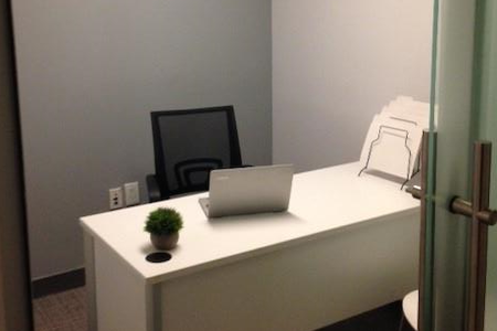 NYC Office Suites - 1270 Avenue of the Americas - Interior Office 1