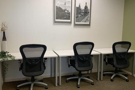 Regus   Esquire Plaza - Office 1724