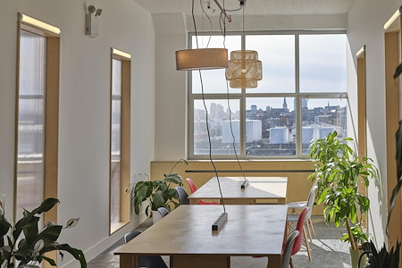 Hunters Point Studios - Communal Tables