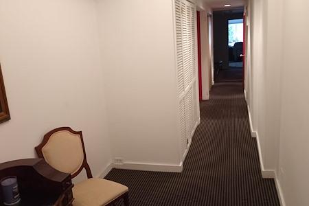 G Justin zizes jr's - Office