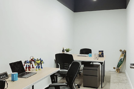 Minds Cowork - Private Office #10 for team of 4 people