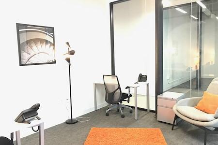 Spaces North Loop - Office 311