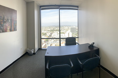 Titan Offices - Penthouse - Day Office #1
