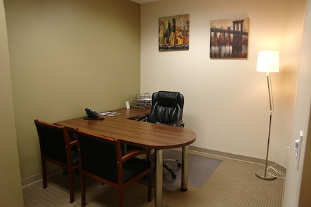 Hampton Business Center - Pines Blvd. - Suite # 344 (Interior)