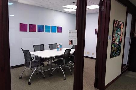mindwarehouse - Suite 812 Meeting Room