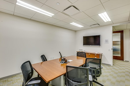 Carr Workplaces - Aon Center - Lincoln Park Room