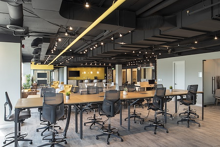 Venture X Richmond Hill - Open Desk