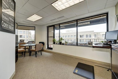 Carr Workplaces - King Street - 5 Room Exterior Suite #622/623