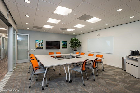 Office Evolution - Houston Energy Corridor - Petroleum Conference Room
