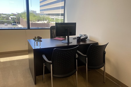 (PHO) Elevate 24 - Affordable Window Office!!!
