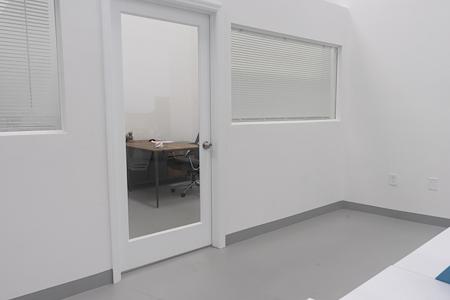 EKOLOG E-Commerce HUB - Private Office 1