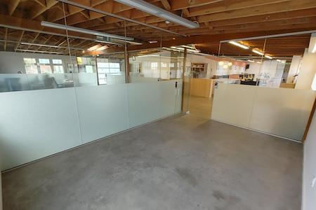 Workstation West Berkeley - Modern Glass Private Office