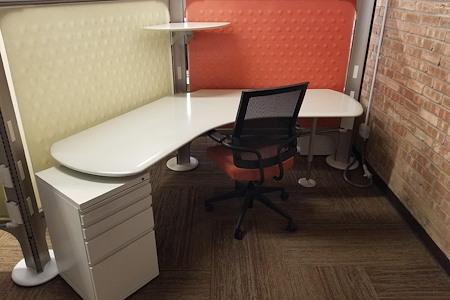 Co-Work 36 - Store & Work 36 - Dedicated Desk