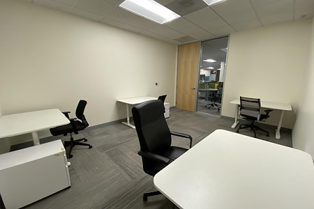 Z-Park Silicon Valley Innovation Center - R1055 Team Office for 4 ppl