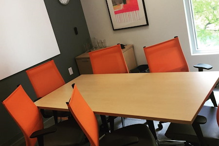 Office Evolution - Charleston - Medium Conference Room