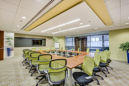 Carr Workplaces - Aon Center - The Randolph Room