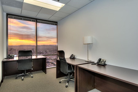 Titan Offices - Penthouse - Window Co-Working Office