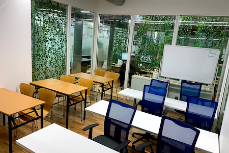 Task Up - Office for 8-12 with Glass Walls (J)