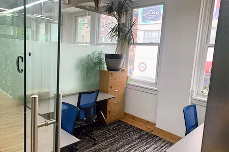 Task Up - Office for 4 with Window View (C)