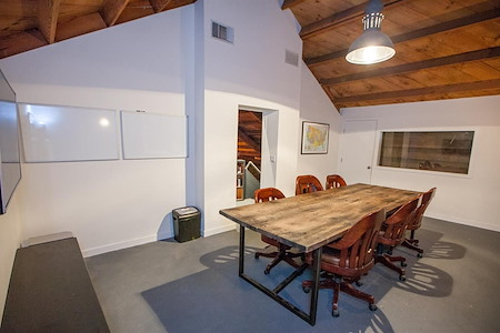 PodShare Venice - Private Conference Room