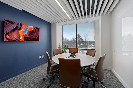 Carr Workplaces - Friendship Heights - Wisconsin Meeting Room