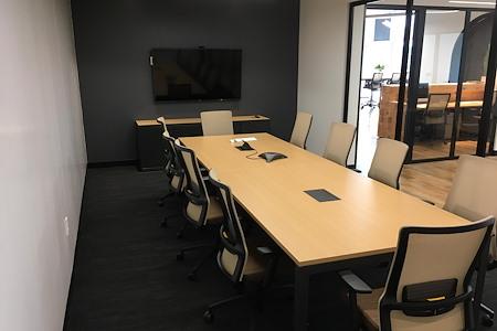 Venture X | Dallas by the Galleria - Medium-size Meeting Room