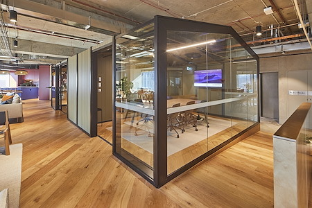 Space&Co. 580 George Street, level 10 - 4 Person Meeting Room | 10.02