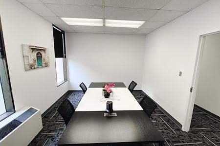 DeGratia Office - Meeting Room 4 people