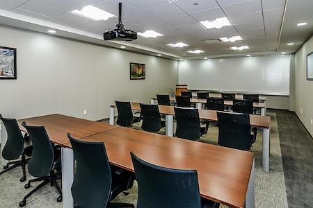 TOTUS Business Center Long Island - Melville, NY - Oak Meeting Room
