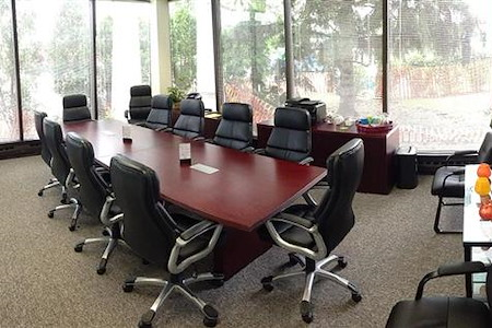 Lake Cook Reporting - 12-Person Glass Conference Room