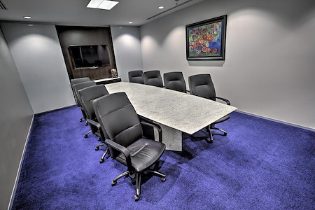 Servcorp - Bank of America Center - Private Meeting Room for 10-12