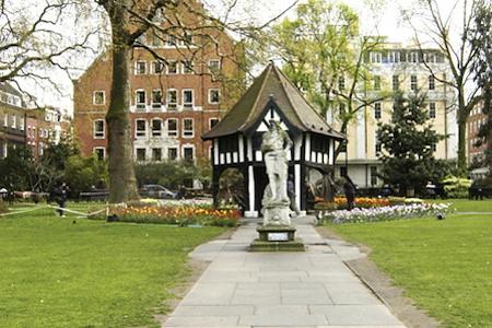 Regus | London, Soho Square - Open Desk
