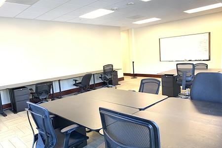 JJ Lake Business Center - Private Office B