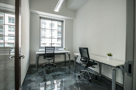 iQ Offices | 222 Queen St - Office Suite for 1