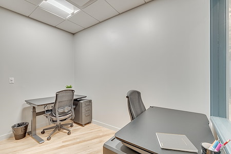 Common Desk - West End - Private Office - 2 person