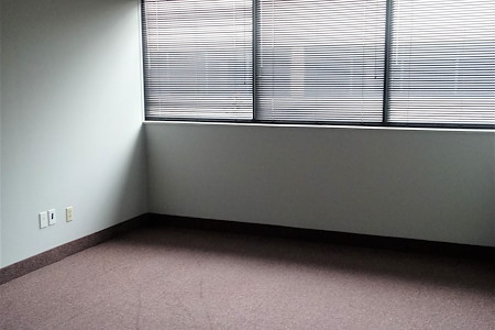 TKO Suites Knoxville TN - 3-4 Person, Window Office Available Now!