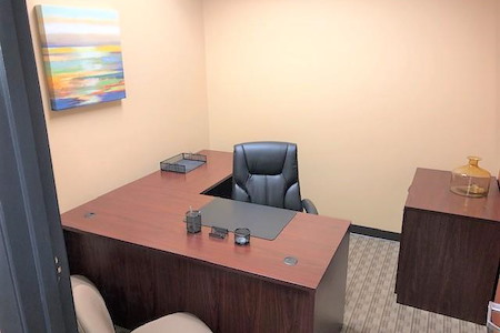 Orlando Office Center at Colonial Town Center/Downtown - Office 125 - One Desk Office