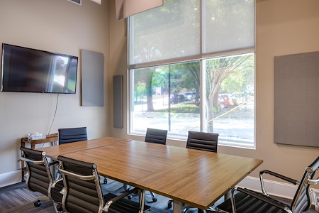Focal Point Coworking - Emerald Conference Roon