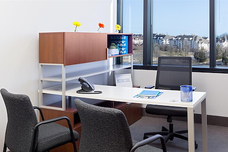 Metro Offices - Dulles/Herndon - Private Exterior office for 1-3 members