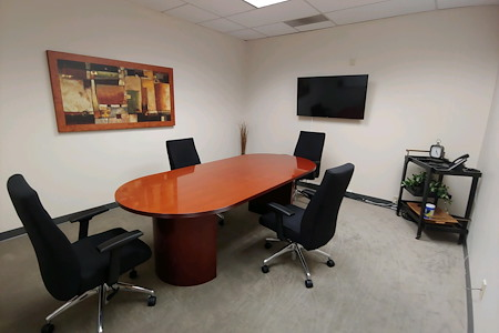 Pacific Workplaces - Marin - Redwood Conference Room