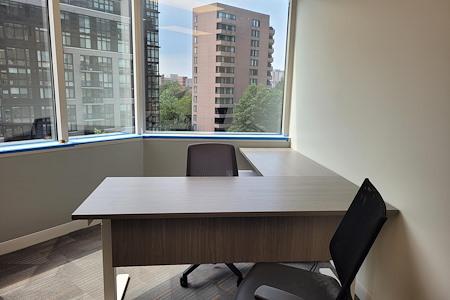 Office Evolution Arlington-Rosslyn - Corner Office 619